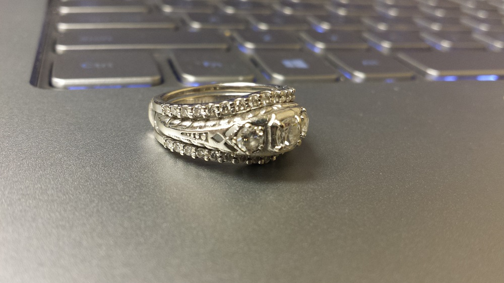 How to Pick an Antique Engagement Ring-Chispa Magazine