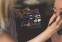 How To Run Your Own Successful Makeup Artist Business-Chispa Magazine